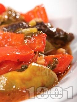 Задушени зеленчуци с доматено пюре - снимка на рецептата